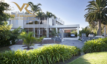 Takapuna: One  or Two Night Stay for Two People with Breakfast and Late Check Out at 5* VR Auckland Takapuna Oaks